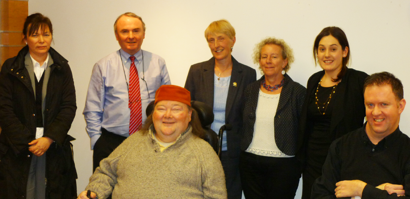 L-R:Breda Mulvihill (HSE), Mark Blake Knox (Cheshire Ireland), Claire Crehan Dowdall (Irish Wheelchair Association), Helen Lahert (Citizens Information Board), Aisling Jones (Áiseanna Tacaíochta), Owen Collumb (Áiseanna Tacaíochta participant), Martin Naughton (Director of Áiseanna Tacaíochta)